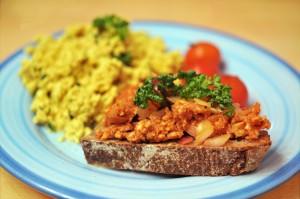 Veganes Mett und Rührei gefällig?